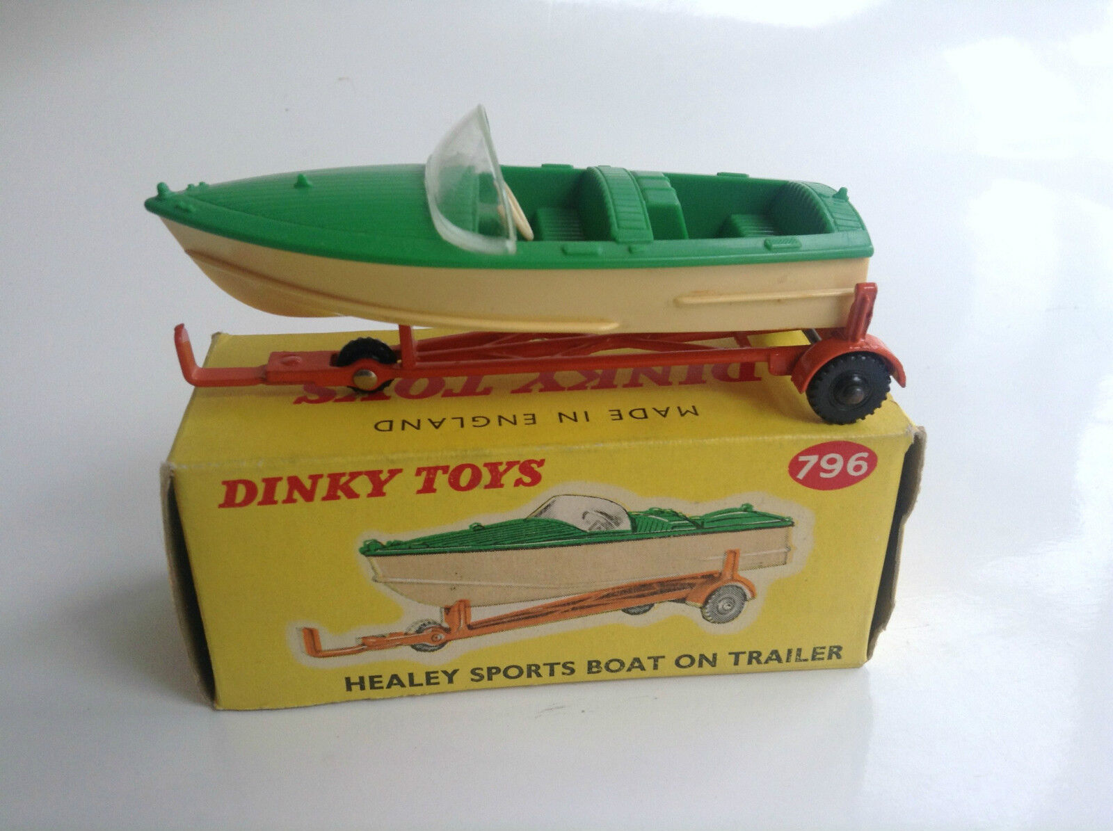 Rare Dinky Toys N° 796 Healey Sport Boat on trailer ETAT NEUF