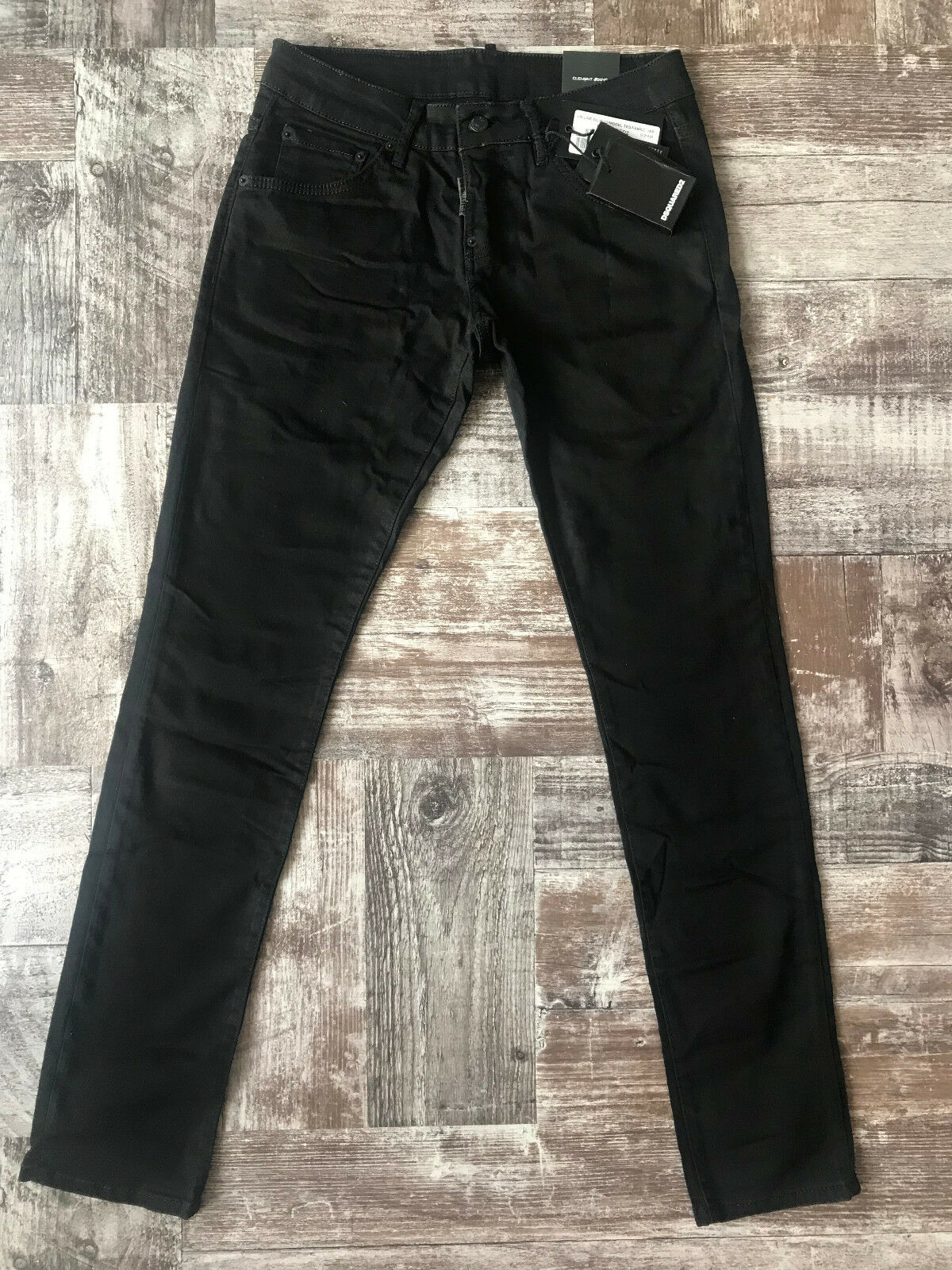 NEW Dsquared Jeans Waist 35    Inseam 33  SIZE 50
