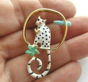 Cat-brooch-white-black-spotty-hand-enamelled-kitten-animal-vintage-style-pin
