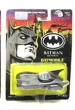 """1992 ERTL BATMAN RETURNS Die Cast 1:43 Metal BATMOBILE 3.5"""" - Carded"""