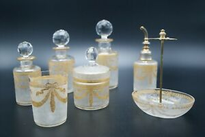 c-1900-SAINT-LOUIS-OLD-CUT-CRYSTAL-GOLD-PERFUME-BOTTLES-GLASS-VANITY-SET-FRANCE