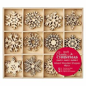 48-Eiskristall-Schneeflocken-Holz-Anhaenger-Baum-Weihnachtsbaumschmuck