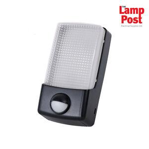 Timeguard-LED88PIR-Nighteye-5w-LED-Outdoor-Light-with-PIR-amp-Dusk-to-Dawn-Sensor