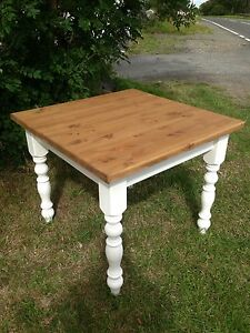 Farmhouse-Rustic-Pine-shabby-chic-table-3-ft-X-3-ft