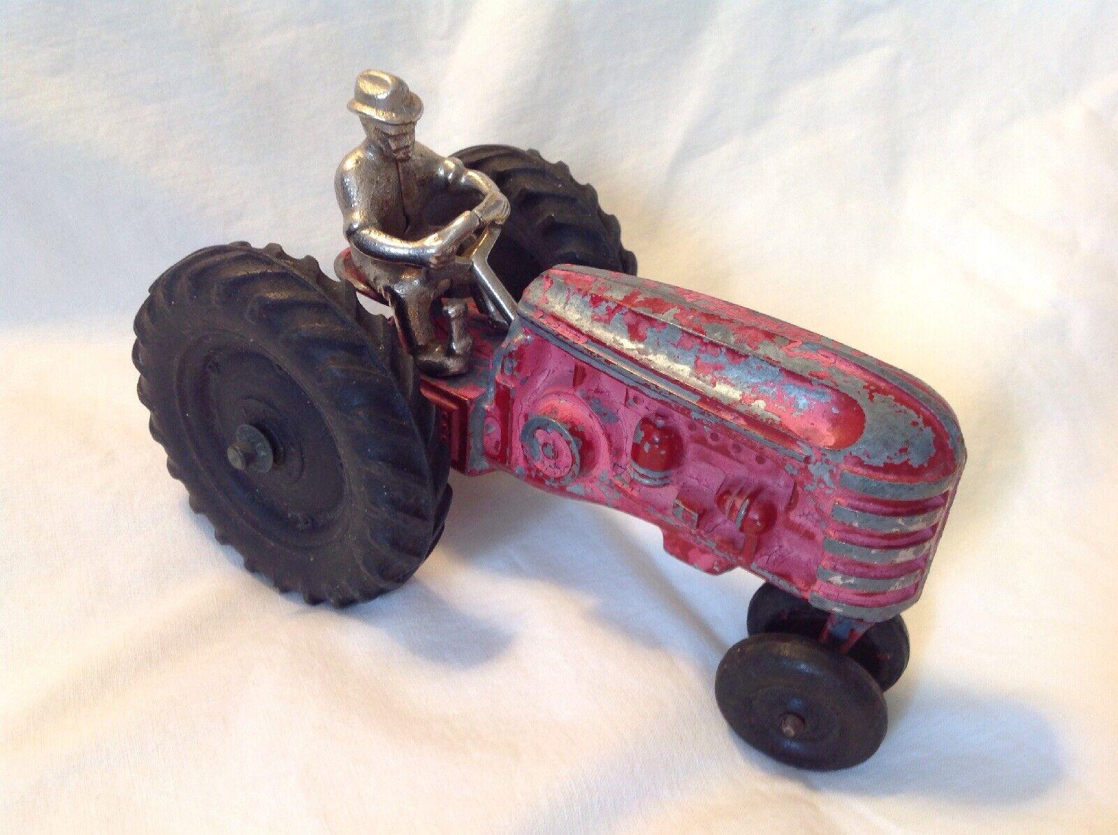 Vintage Hubley Diecast Massey Harris conductor de tractor con níquel plateado