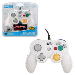 Mad Catz Wii & Switch Compatible GameCube Controller NEW