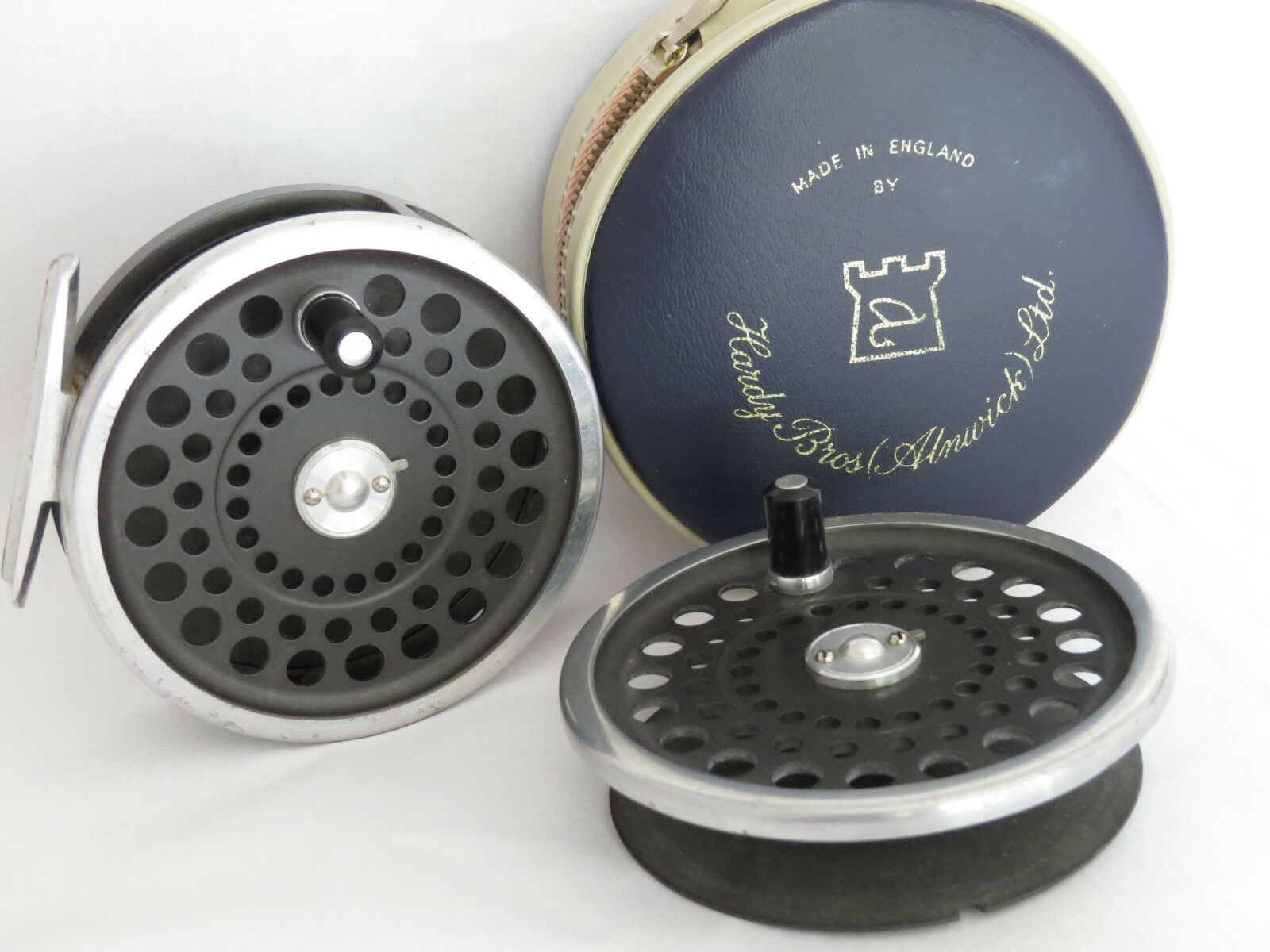 HARDY MARQUIS  10 REEL PLUS A SPARE SPOOL HARDY POUCH