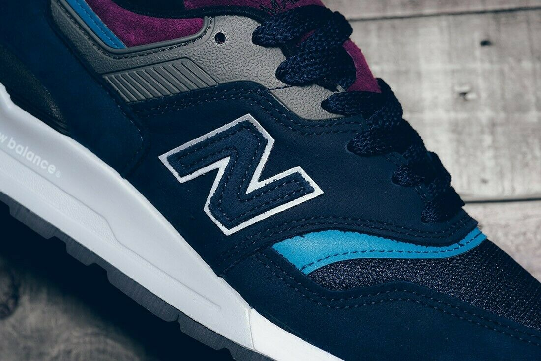 NEW BALANCE 997 PTB NORTHERN LIGHTS bleu marine bordeaux violet 3 M détails de taille.