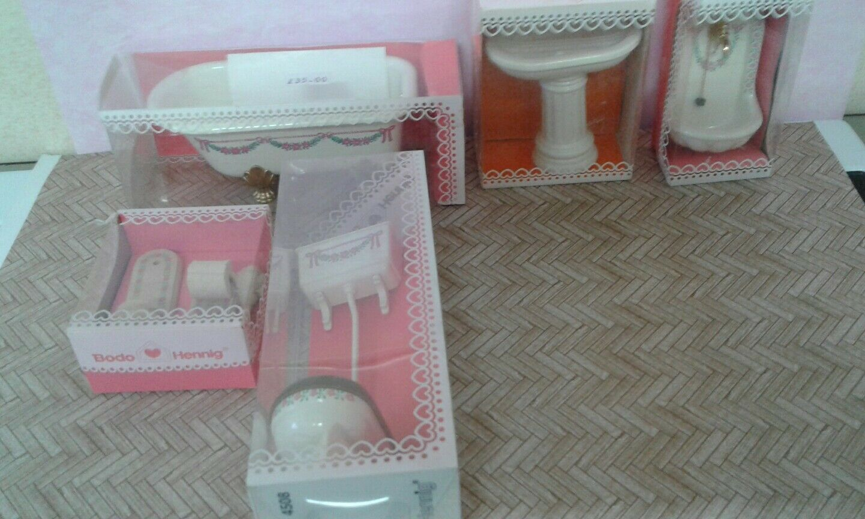 Bodo Hennig Bathroom suite for dolls house
