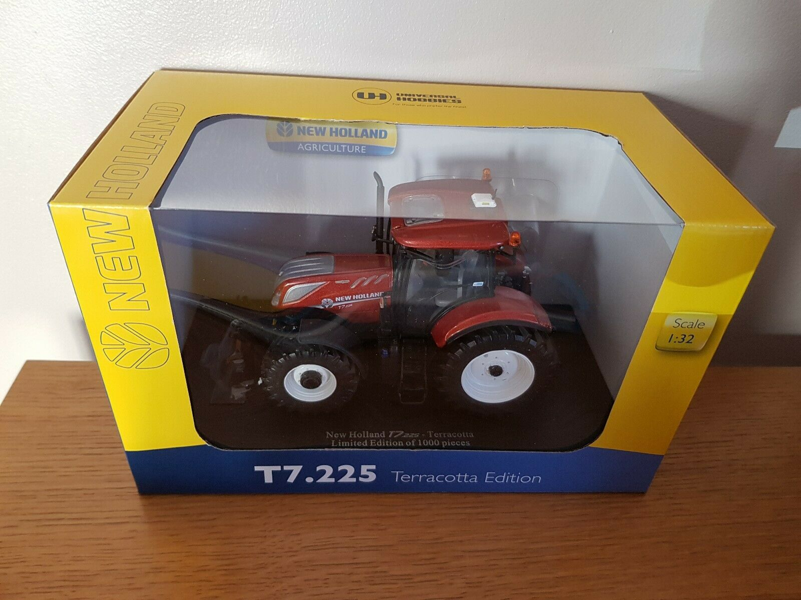 UH NEW HOLLAND FIAT T7.225 TRACTOR 1 32 SCALE - TERRACOTTA 100YR ANNIVERSARY