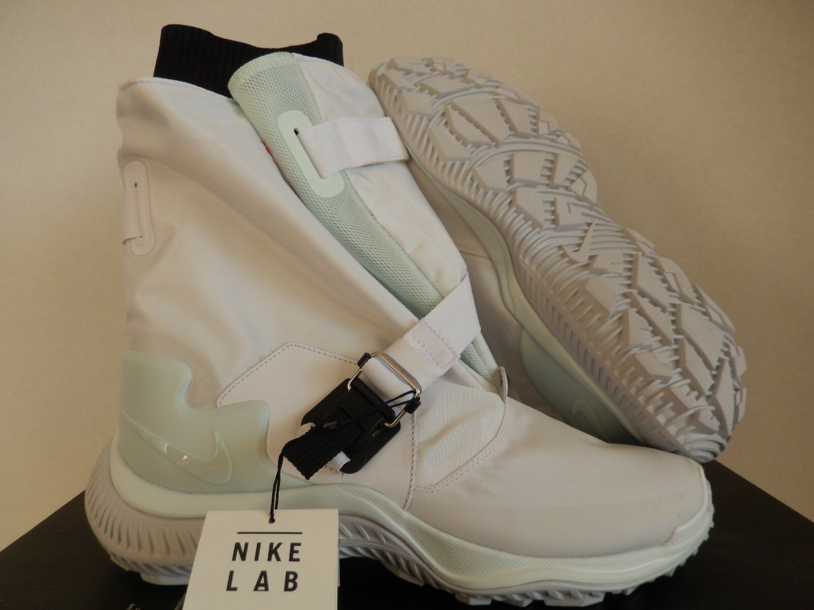 WMNS NIKE NIKELAB NSW GAITER BOOT WHITE-BARELY GREEN-BLACK SZ 5 [AA0528-100]
