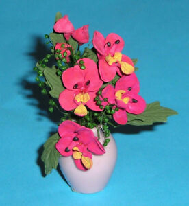 Doll-House-Flowers-1-12-Scale-Red-flowers-in-Pink-Vase
