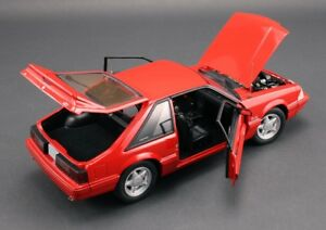 1993-Ford-Mustang-Red-1-18-GMP-18804