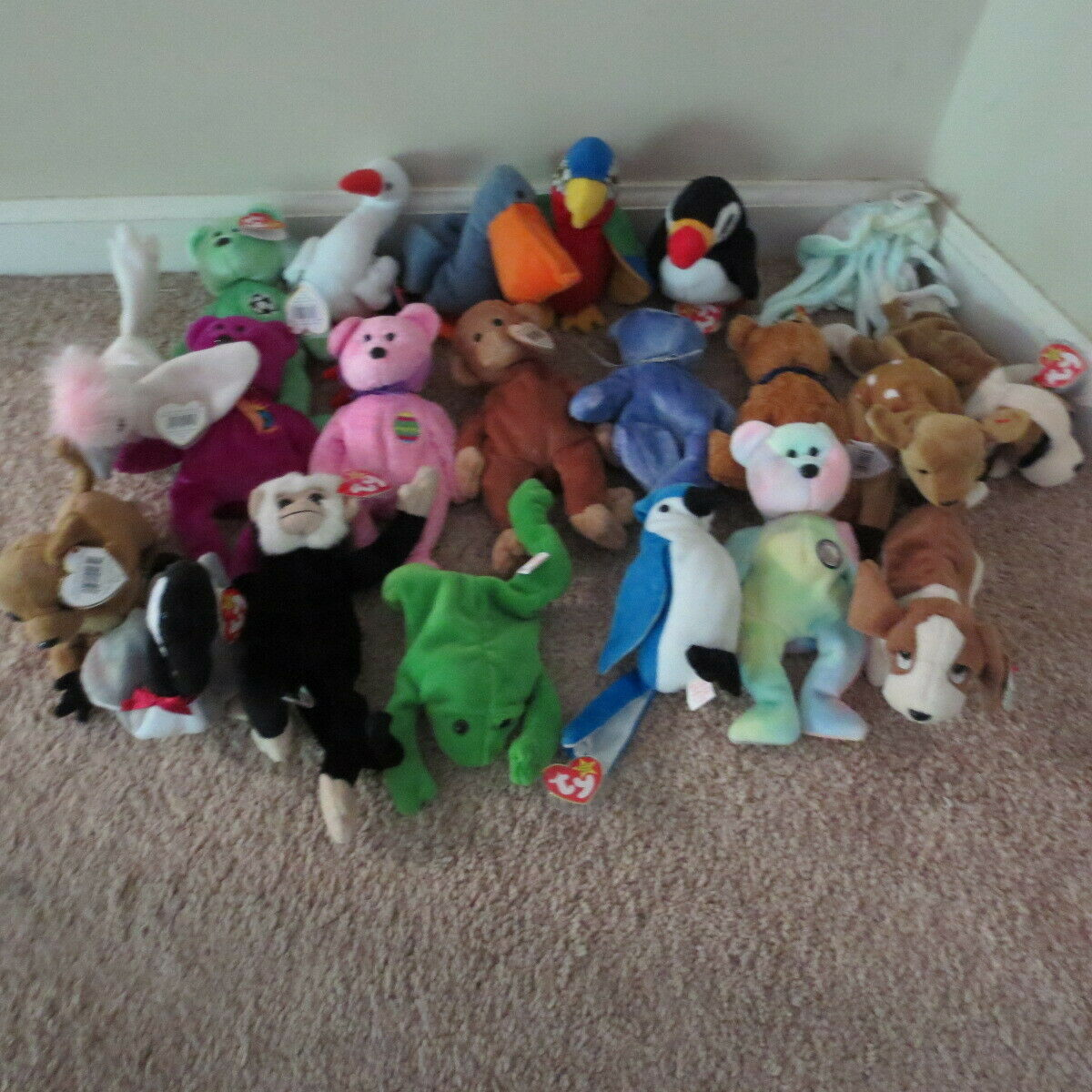 Lot of 21 different Beanie Babies Retired