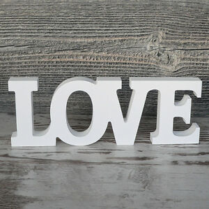 Schriftzug-LOVE-aus-Holz-24cm-weiss-Buchstaben-Wanddeko-Holzschild-Hochzeit-NEU
