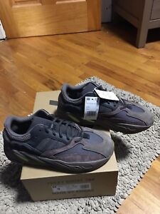 38955d7667d05 Image is loading Adidas-X-Kanye-West-Yeezy-Boost-700-Mauve