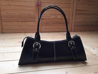 Handtasche schwarz mit weißen Nähten