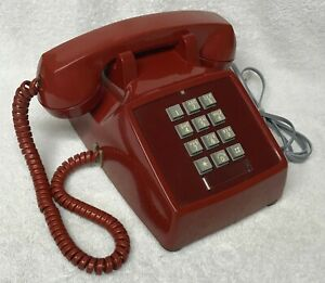Vintage-1970-WESTERN-ELECTRIC-2500D-RED-PushButton-Touch-Tone-Desk-Telephone