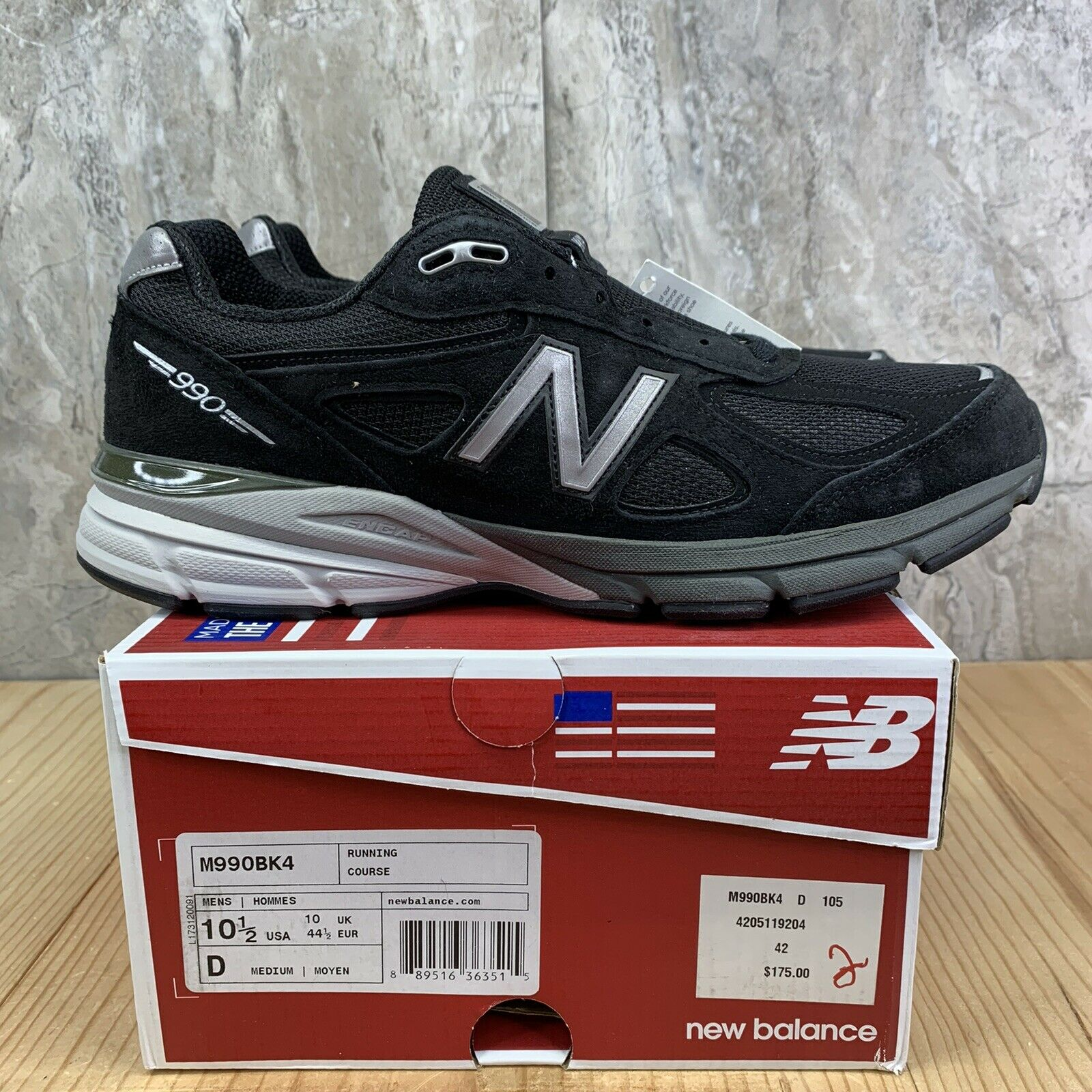 New Balance M990BK4 V4 Size 10.5 Mens