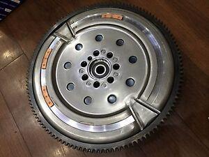 Genuine-OEM-23200-2C050-Flywheel-Dual-Mass-For-Hyundai-Genesis-Coupe-2-0-Turbo