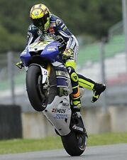 Valentino Rossi Wheelie 2013 10x8 Foto