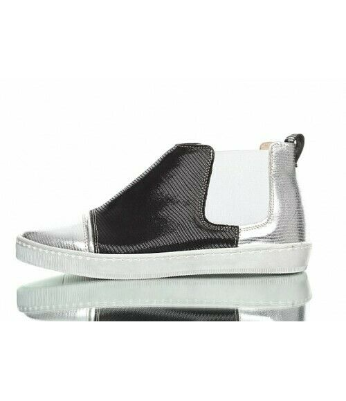 Black& silver 100%l leather ladies snakers  , size 7 (EU40)