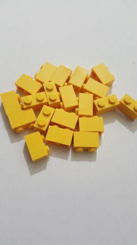 Lego brique jaune 1x2 50 pièces 3004