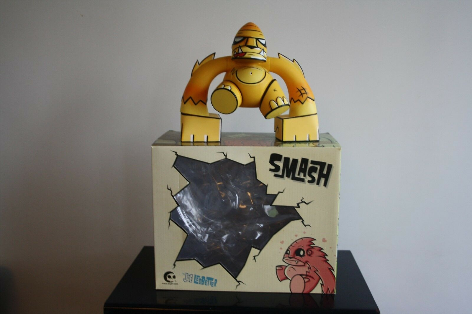 JOE LEDBETTER Toy2R Designer Toy Platform SMASH 7  Gelb