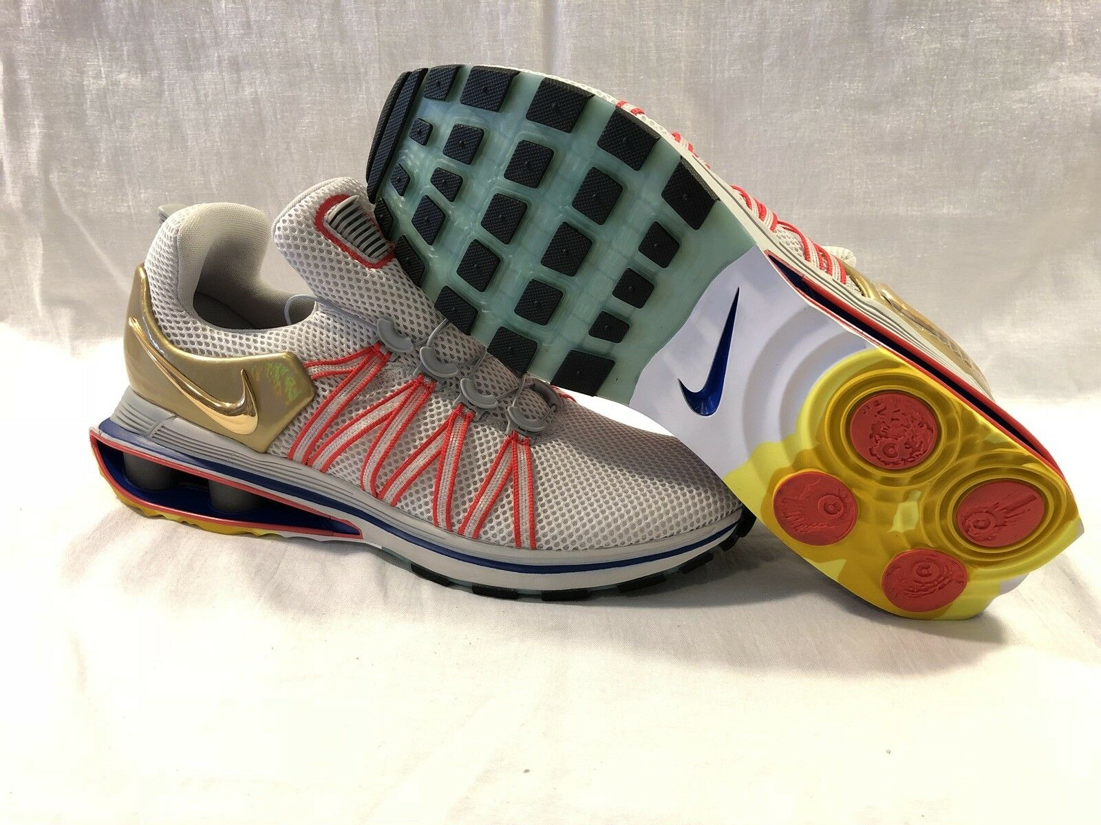 competitive price 5edcf c133e Nike Shox Gravity 2018 Sz 10 10 10 Red White bluee Metallic gold AQ8553 009  d43398