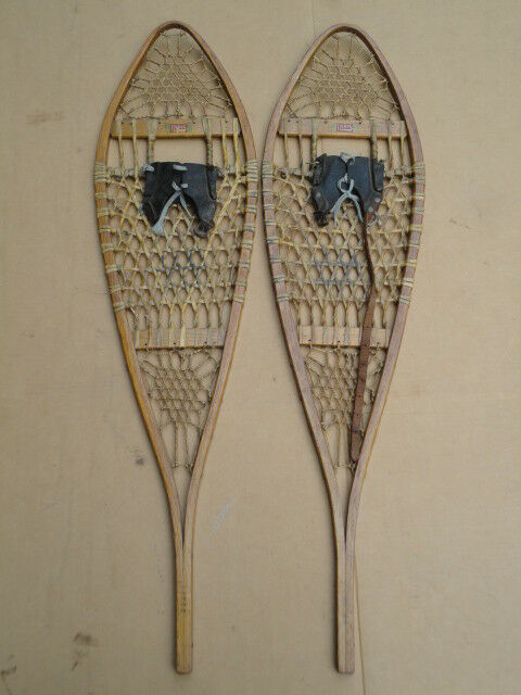Vintage South Paris Maine Snow shoes Snowshoes Fine Condition w  Original Labels