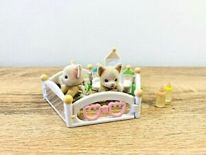 Sylvanian-Families-Let-039-s-Play-Baby-Playpen-Pepi-Lola-Joelynda-Lopez-Chihuahua