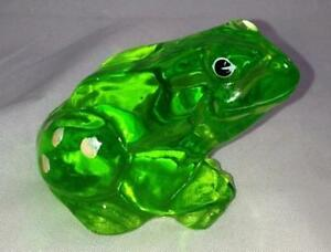 Fenton-Glass-Green-Frog-Hand-Painted-Signed-w-Sticker-New-Gift-Box-81t4