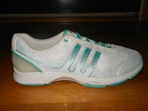 Adidas Clima Volume 2 women's running shoes - Sz 9 M - G42723 - Excellent cond