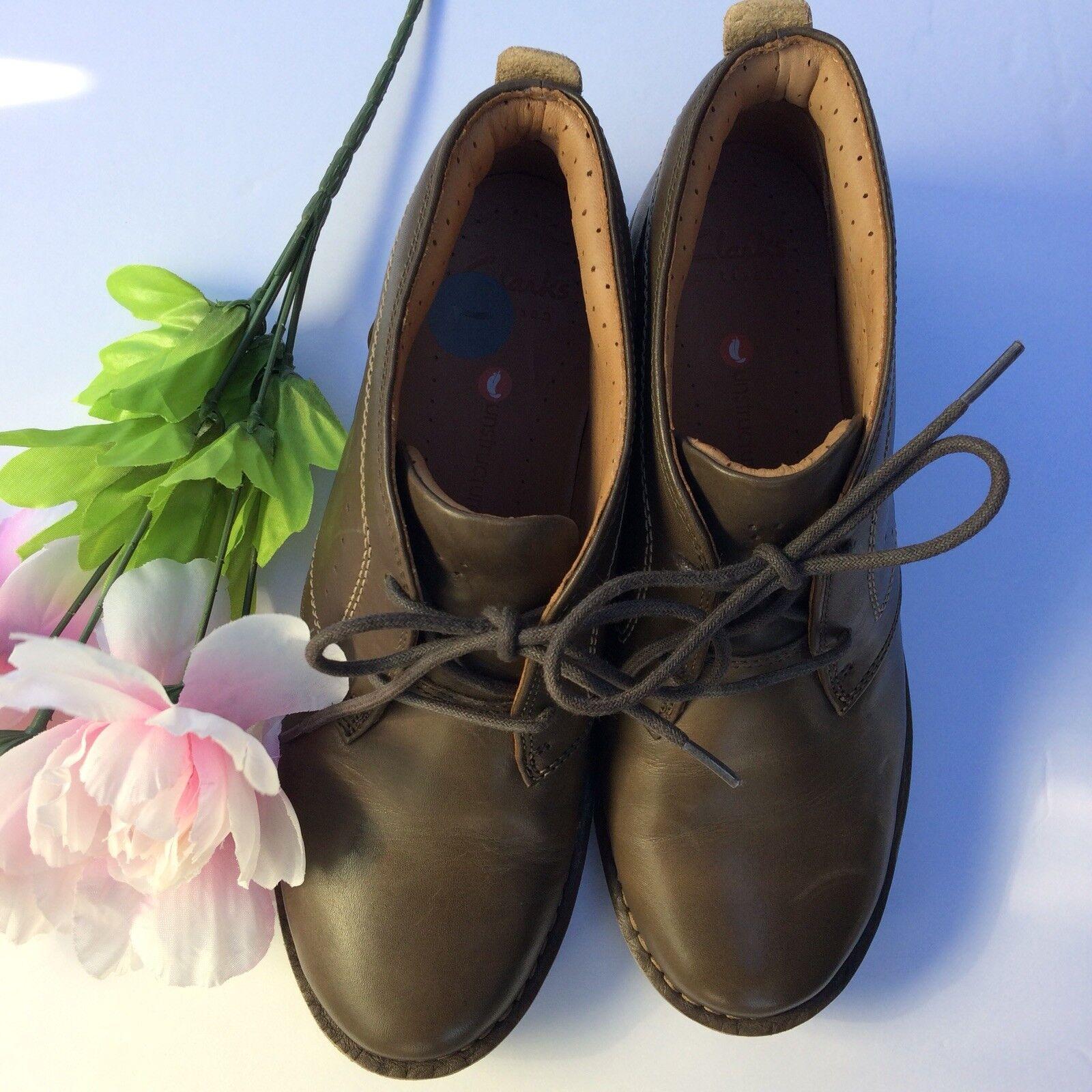 NWOB Clarks Unstructured Un Astin Boot Booties Women's Size 7 Brown