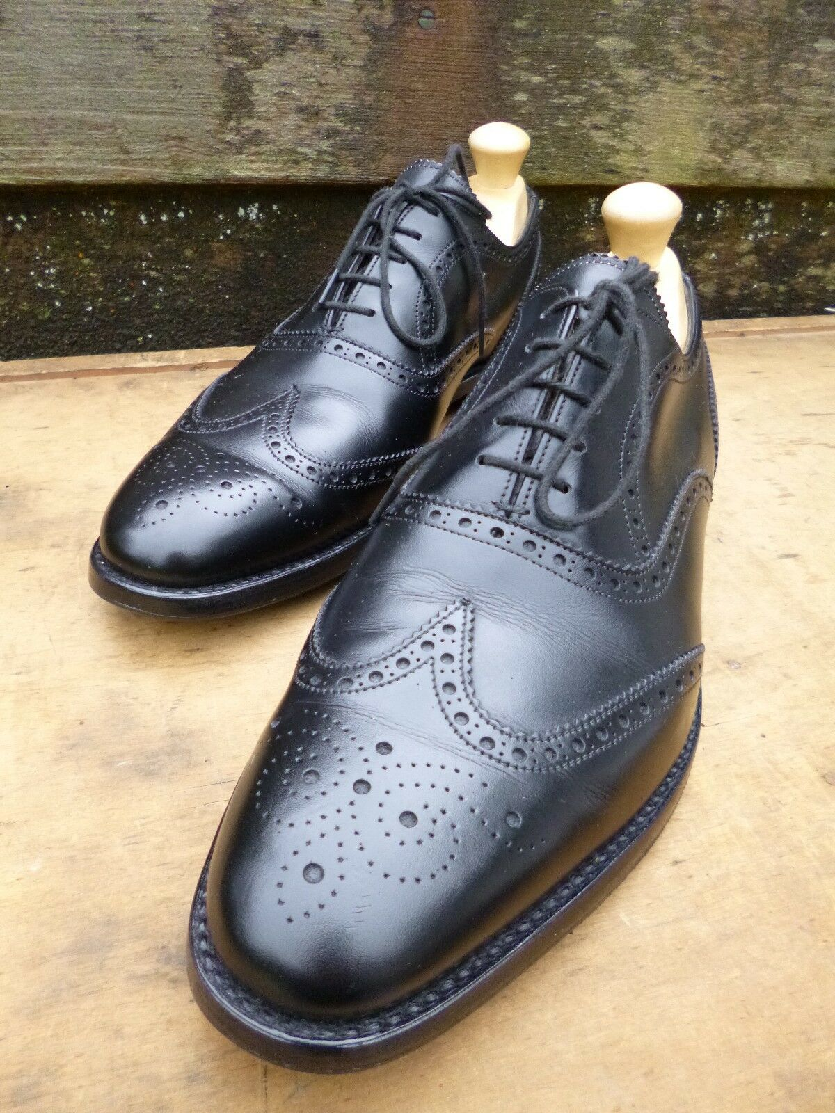 CHEANEY / CHURCH BROGUES - BLACK – UK 8.5 – BROAD – EXCELLENT CONDITION