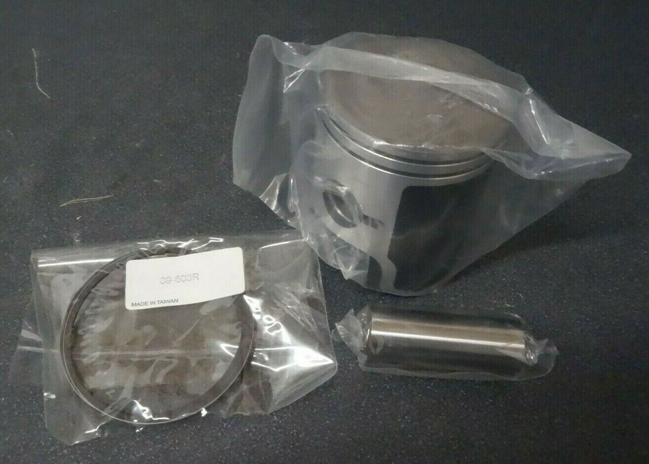 NEW 99-02 Arctic Cat  Z370 STD Piston Assembly Kit 09-G7-327T  gorgeous
