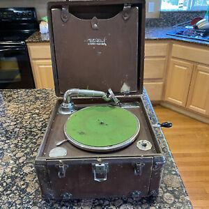 Antique Brunswick 101 #199503 Portable Crank Record Player Gramophone Turntable