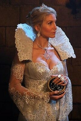 Elizabeth Mitchell Snow Queen Sexy Busty Once Upon A Time 8x10