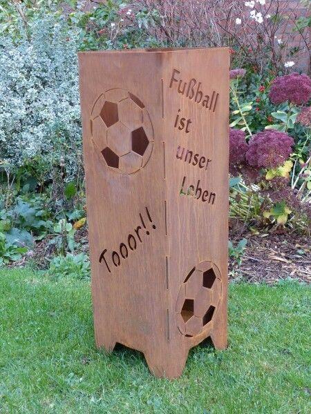 Feuersäule  Fußball Gartendeko Metall Edelrost Stecker