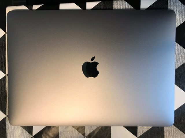 MacBook Pro, 13 tommer Retina 2019, 2,3  GHz, 8 GB ram, 121…