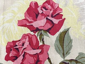 SALE-Roses-amp-Ostrich-Feathers-Barkcloth-Vintage-Fabric-30-039-s-Cottage-Chic-Style