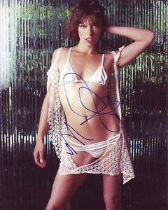 Milla Jovovich Hot! signed 8x10 photo PSA/DNA cert PROOF
