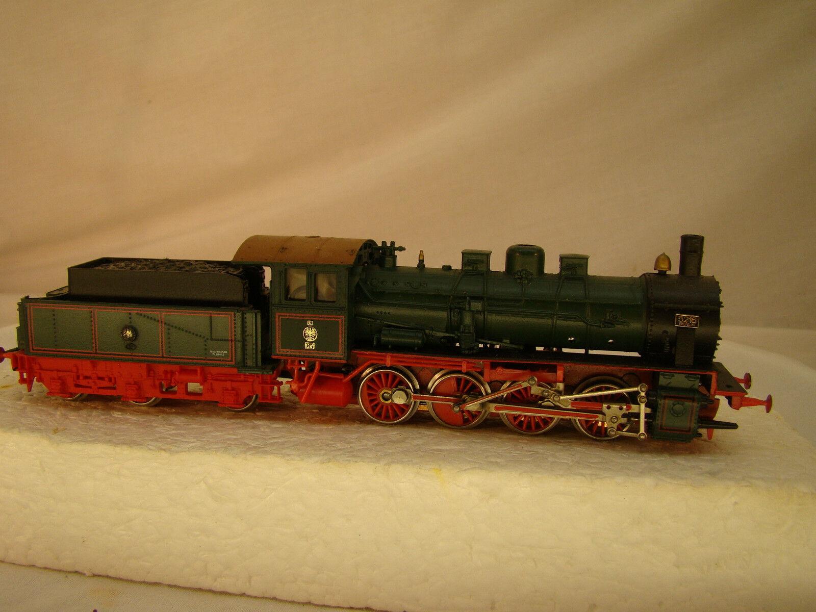 0-4-0  German Steam Locomotive - rare model - good shape - strong puller - HO