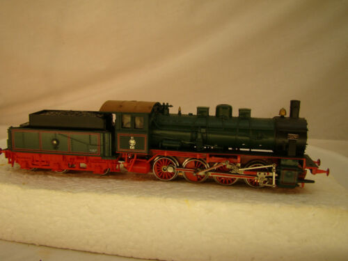 040 German Sm Locomotive rare model good shape strong puller HO
