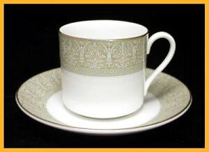 Royal-Doulton-Sonnet-Coffee-Cans-amp-Saucers-Excellent-Condition-1st-Quality