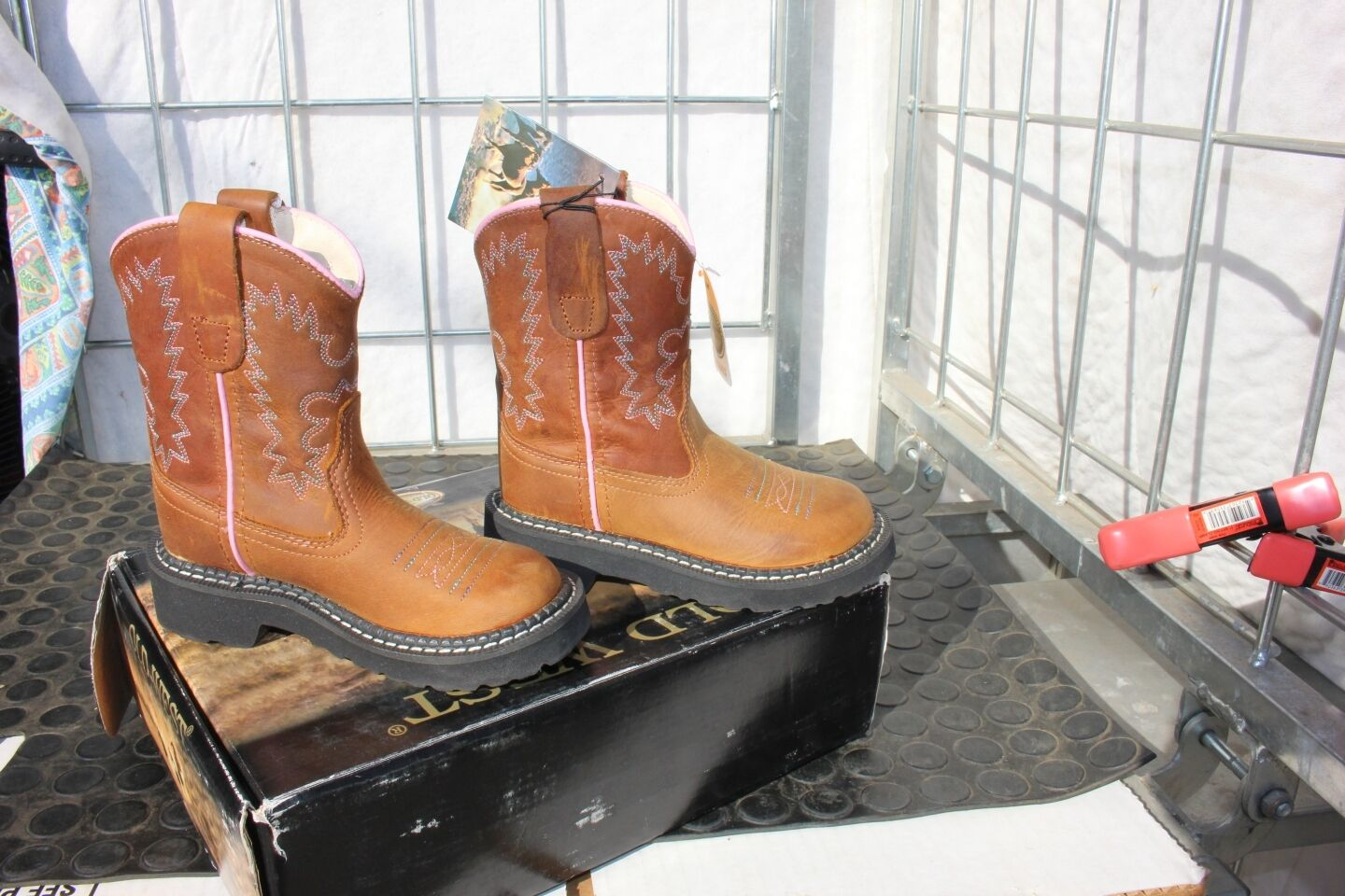 40-97 New Old West Youth  size 1.0  western boots