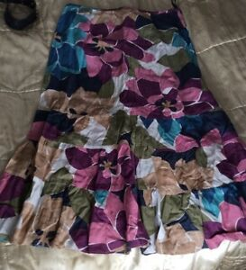 Ladies-Monsoon-skirt-Linen-Mix-Multi-Floral-pattern-Frill-SIZE10-Vgc
