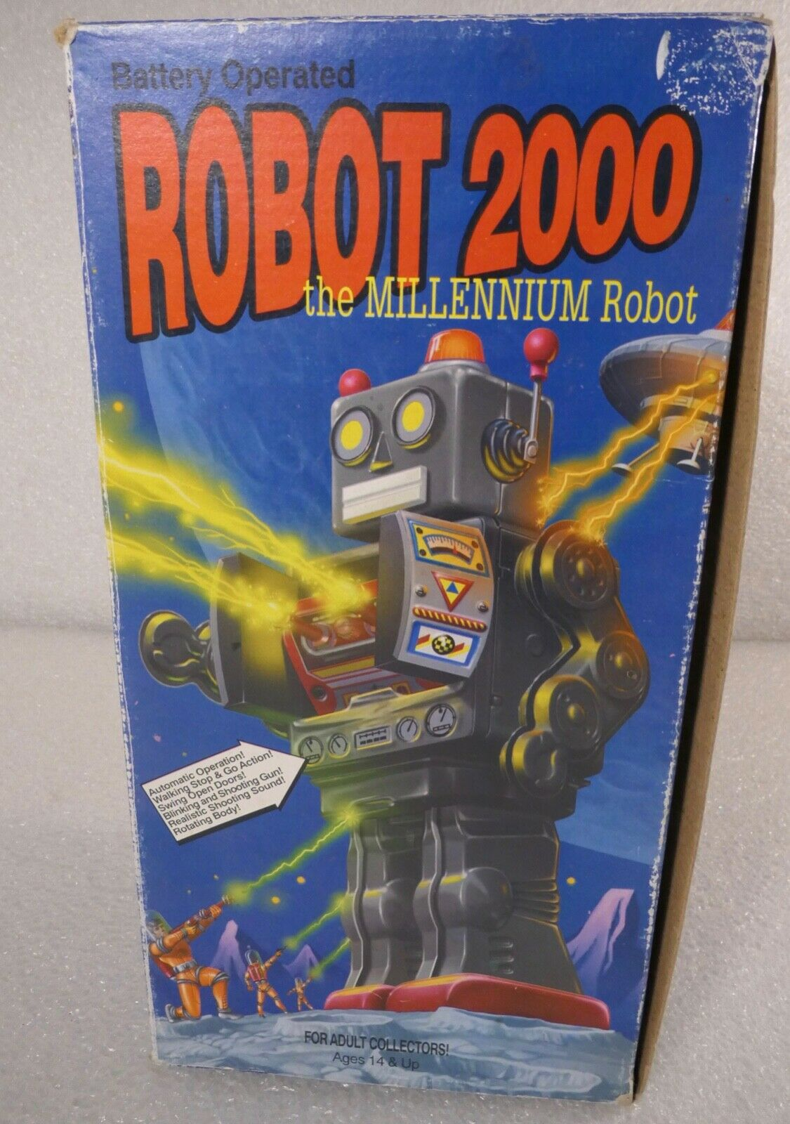SCHYLLING spazio giocattolo 2000 BATTERY OPERATED THE MILLENNIUM ROBOT