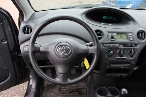 Toyota Yaris 1,3 Terra billede 7