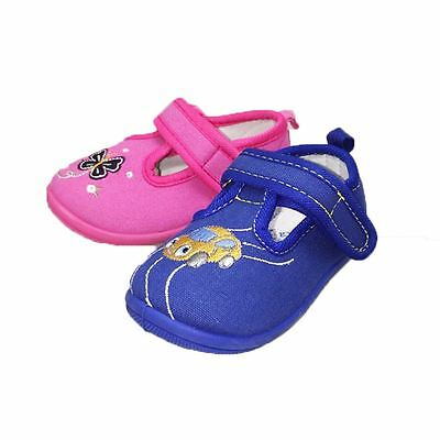 Childrens Canvas pumps with hard flexible sole